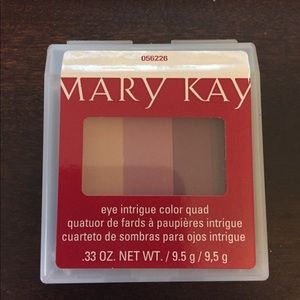 Mary Kay Eye Intrigue Color Quad